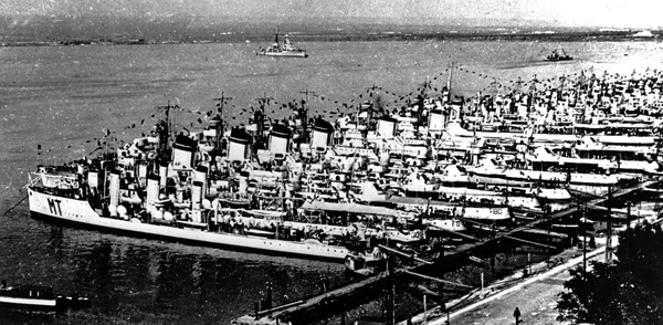 Italian destroyers at anchor in 1940