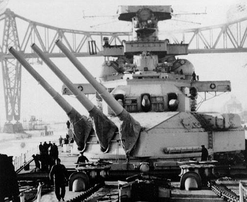Scharnhorsts 280mm turrets