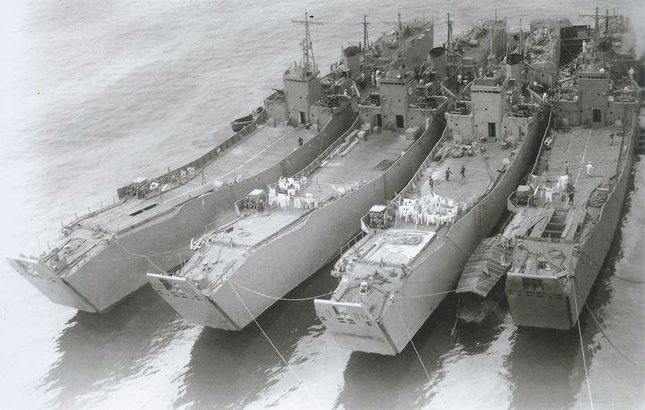 Four_Japanese_No101-class_landing_ships