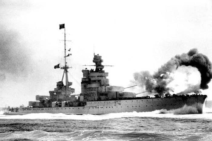 Cruiser Zara firing