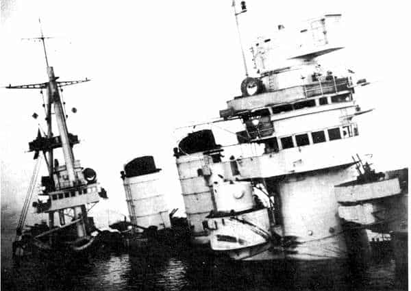 Cavour sunk at Taranto