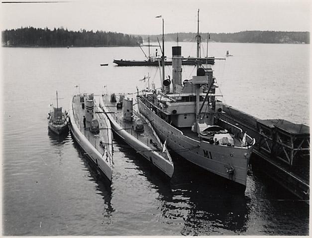Vesihiisi class minelayers submarines and tender, prewar.
