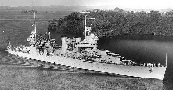 USS Vincennes in the Panama canal in 1938