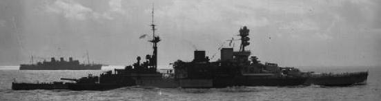HMS_Repulse_escorting_a_troop_convoy