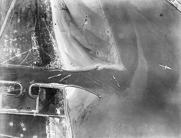 Aerial photograph after Zeebrugge Raid (IWM)