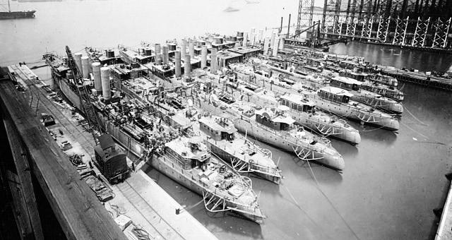 Destroyers at Camden Shipyard, 1919