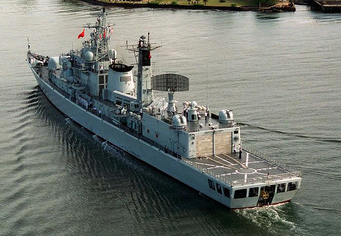 Qindao entering Pearl Harbor 1997