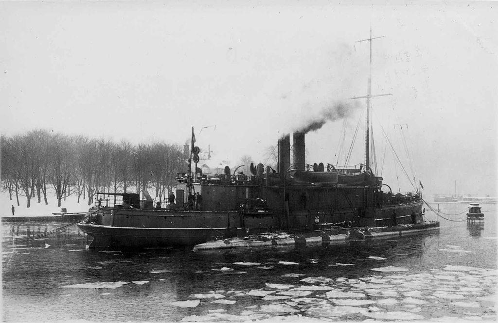 HSwMS Hvalen and Skäggald depot ship