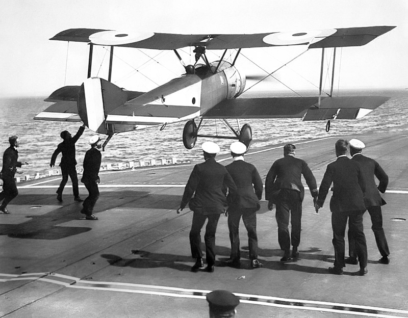 Dunning landing on HMS Furious on a Sopwith Pup