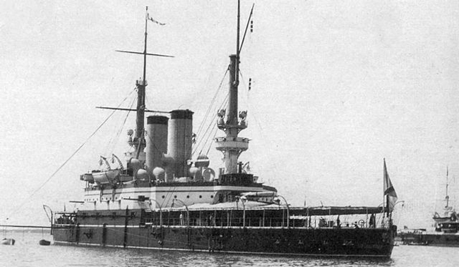 Tri Sviatitelia in peacetime 1896 livery at Sevastopol