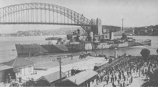 HMAS Sydney at Sydney Cove in 1941