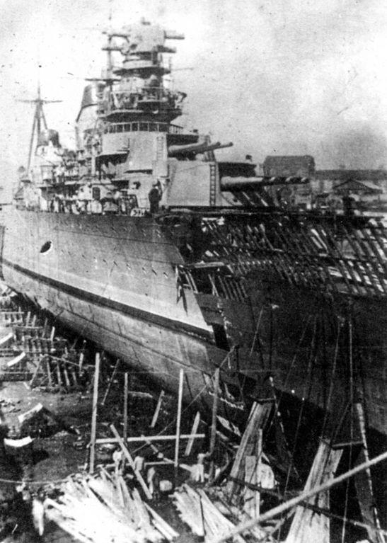 The Maxim Gorkiy repaired in Kronstadt