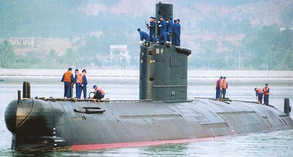 Type 035 or Ming-class returning from a mission