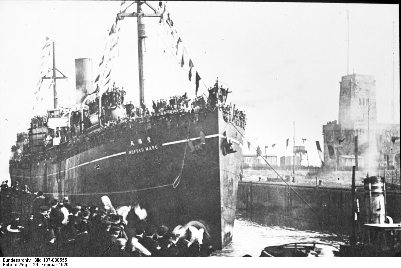 German POWs bring back to Wilhelmshaven by SS Kofuku Maru in February 1920 after a six years captivity