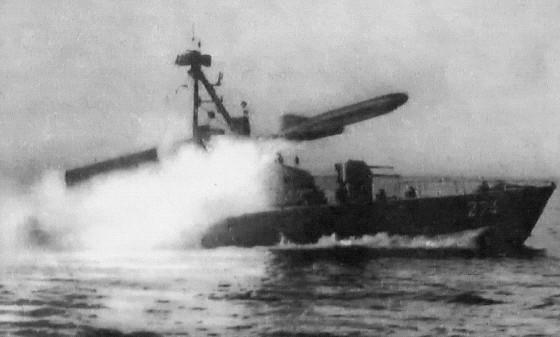 Komar clas firing its missile