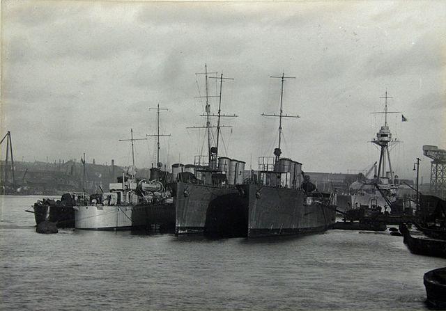 Hatworth Leslie Destroyers - HMS Turbulent
