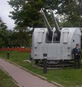 twin turret 102 mm