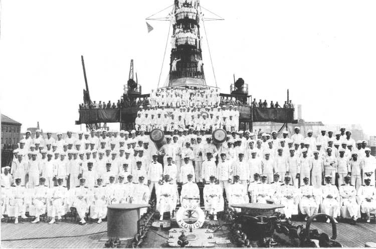 The crew of USS Florida - credits navsource