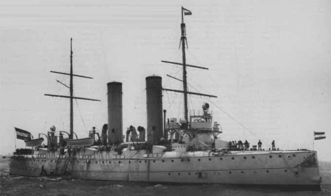 HNLMS Holland off Spihead 1902
