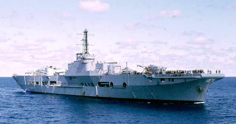 HMS Triump 1972