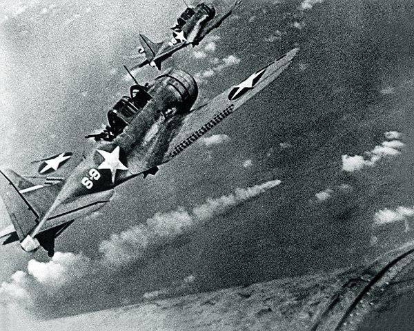 SBD Dauntless attacking the Mikuma on 6 June 1942