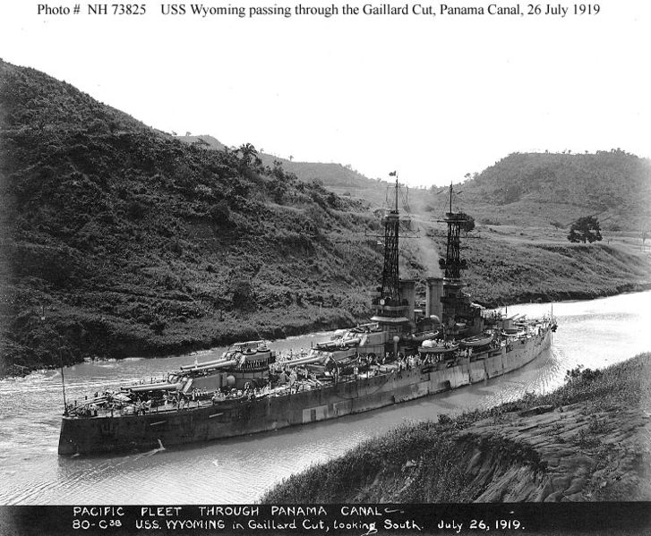 USS Wyoming through the Panama canal in 1919