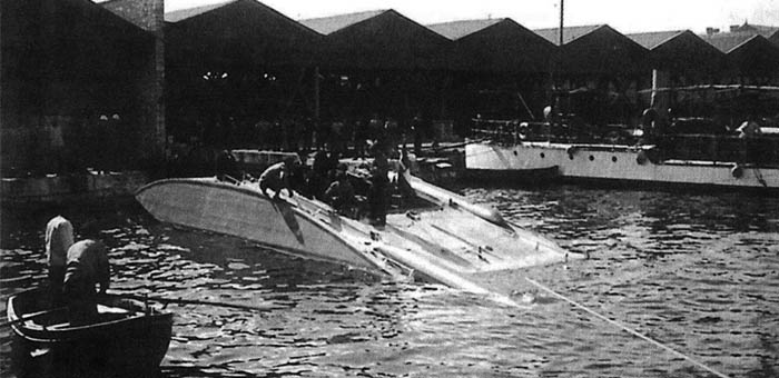 Versuchsgleitboot
