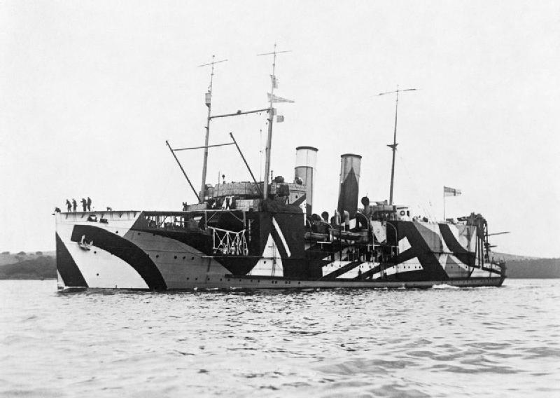 HMS Pegasus in a dazzle camouflage, 1918