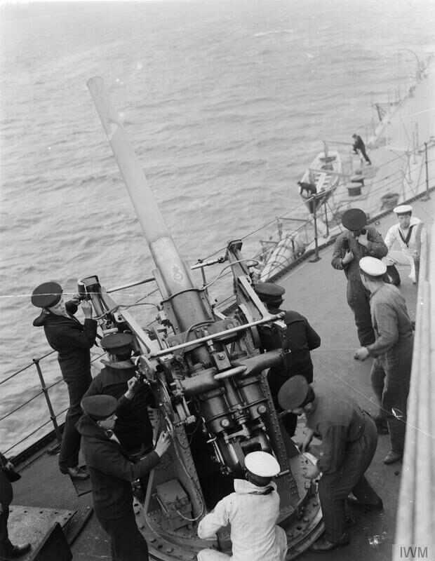 3-inch_AA_gun_and_crew_on_HMS_Royal_Oak_IWM