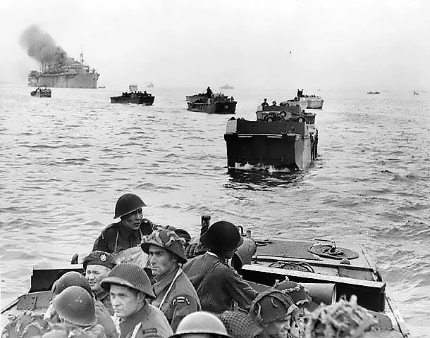 The Canadians lands at Juno beach
