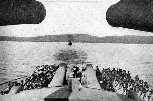 Church service celebrated on the aft deck of the Queen Elizabeth in 1915
