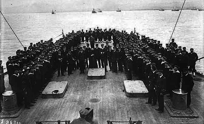 Kontouriotis and his crew on the deck