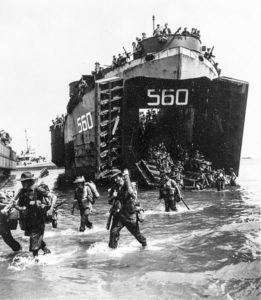 Australian_troops_land_from_USS_LST-560_at_Labuan_on_10_June_1945