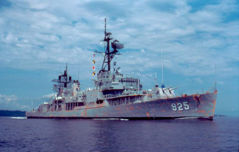 ROKS Jeongju (DD925) in 1981 - src navsource