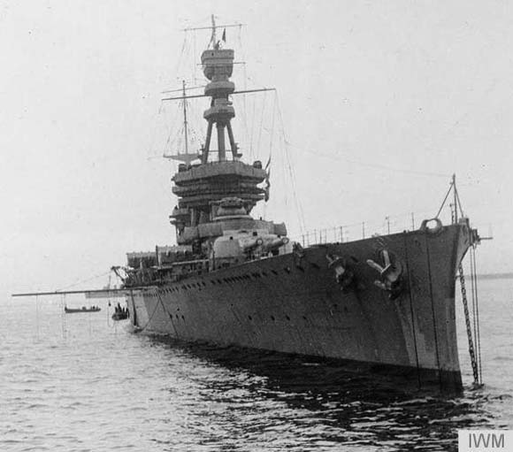 Bow view of the Courageous circa 1917