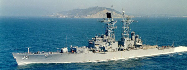 USS_Truxtun_DLGN-35_underway_off_Point_Loma_California_1970s