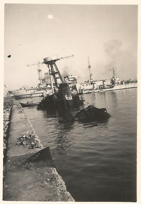 Plutons wreck along the berth in Casablanca, September 1939