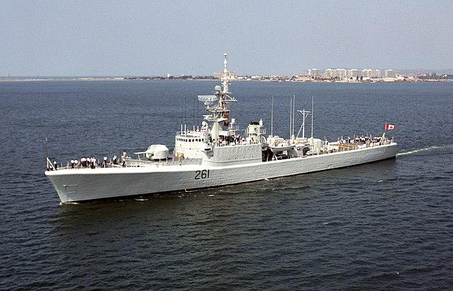 HMCS mackkenzie off san diego 1992