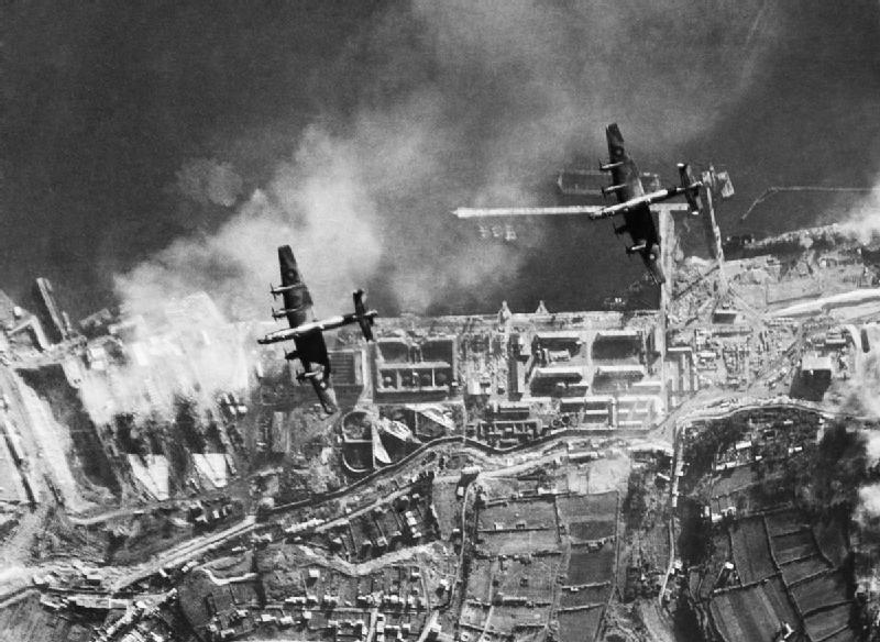 Halifax bobers over Brest in December 1941 - IWM