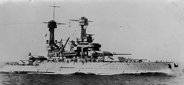 USS Tennessee underway in the 1930s