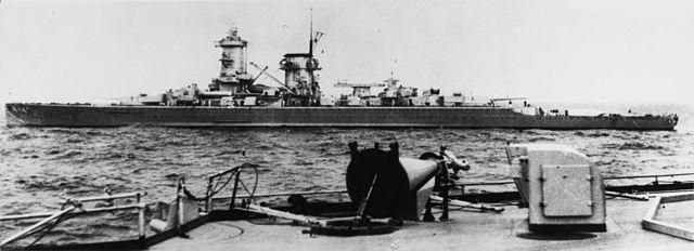 Admiral_Scheer_at_sea_circa_1935