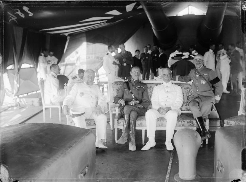 Allied commanders aboard hms queen elisabeth in 1915