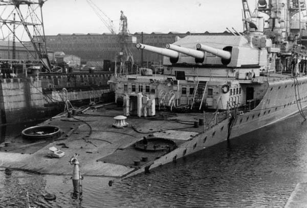 wreck of Lützow in Kiel in April 1945