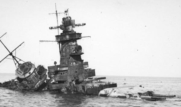 The wreck of Admiral Graf Spee off Montevideo