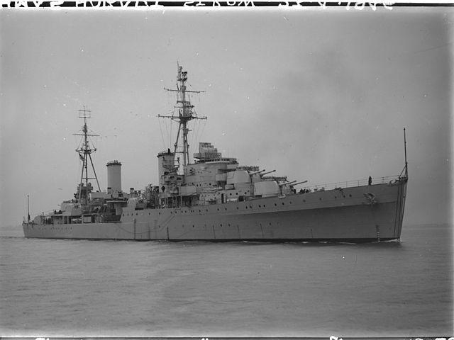 HMAS Hobart in 1945