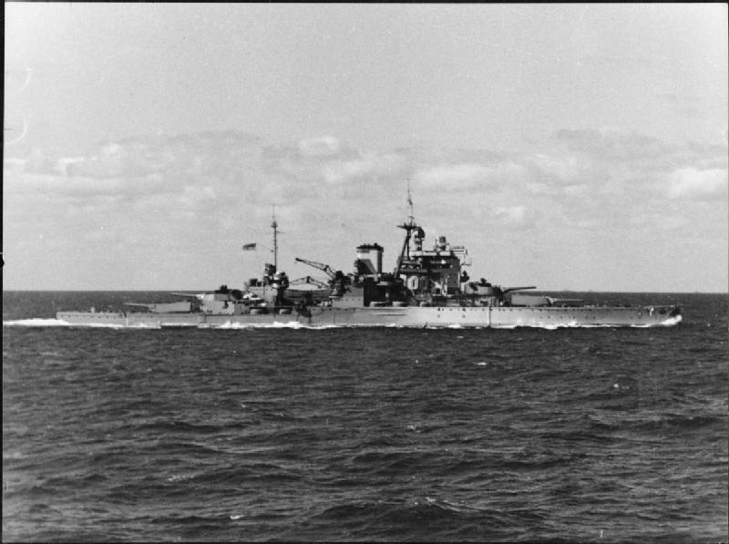Valiant-underway-circa1944