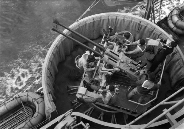 40_mm_gun_on_HMS_Tre_Kronor