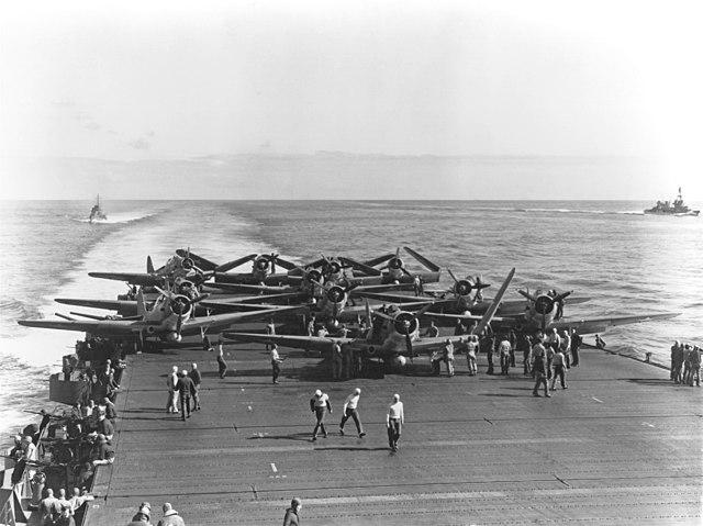 Douglas_TBD-1_Devastators_of_VT-6_are_spotted_for_launch_aboard_USS_Enterprise_4_June_1942_Midway