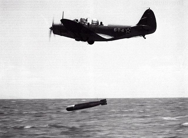 TBD dropping a Bliss-Leavitt Mark 13 aerial torpedo