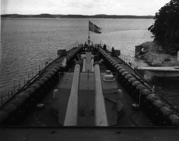 Minelaying exercise in the 1950s